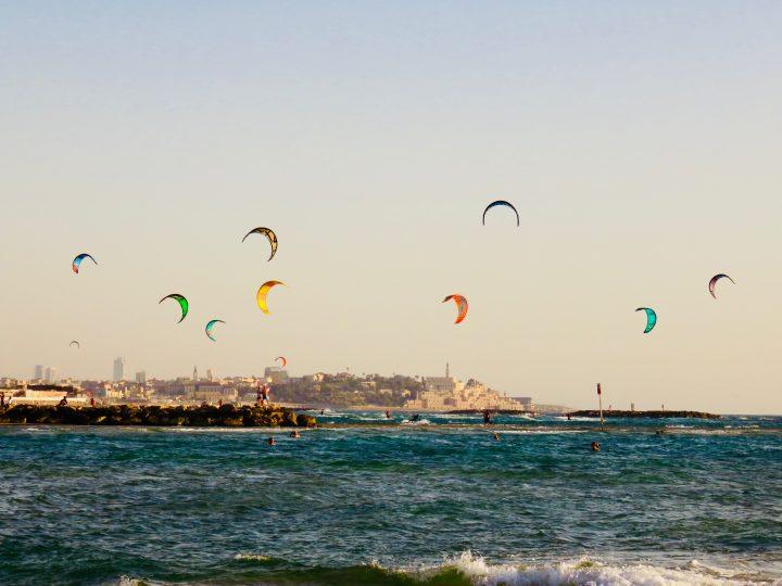 Kiters in action for beach life blog in Tel Aviv Israel; Tel Aviv City Trip Travel Blog Inspirations