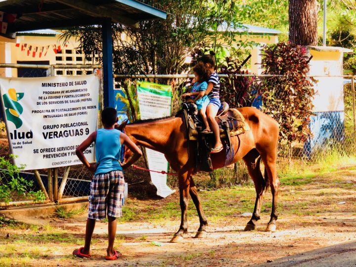 Daily life on horse in Santa Catalina Panama; Panama Travel Blog Inspirations