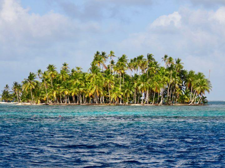 Stunning view over San Blas Islands Panama; Panama Travel Blog Inspirations