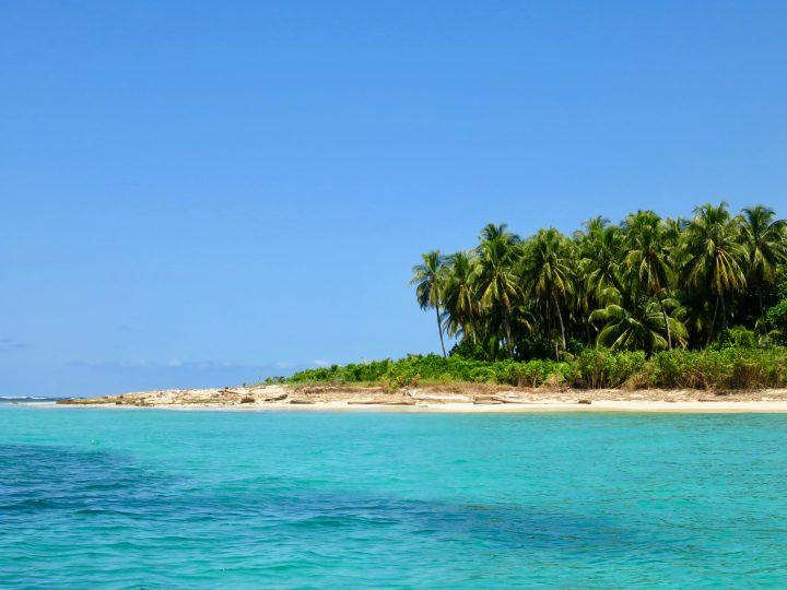 Picture Perfect blue sea on Bocas del Toro Panama; Panama Travel Blog Inspirations