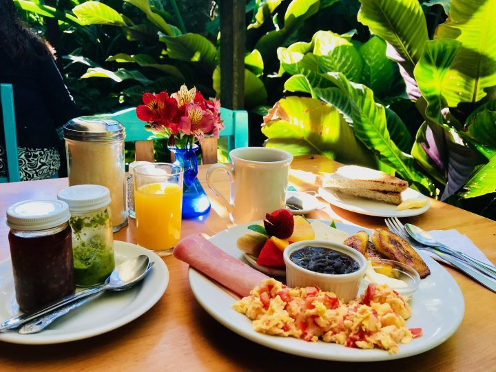 Breakfast at Deli Jasmin at lake Atitlán Guatemala, Guatemala Travel Blog