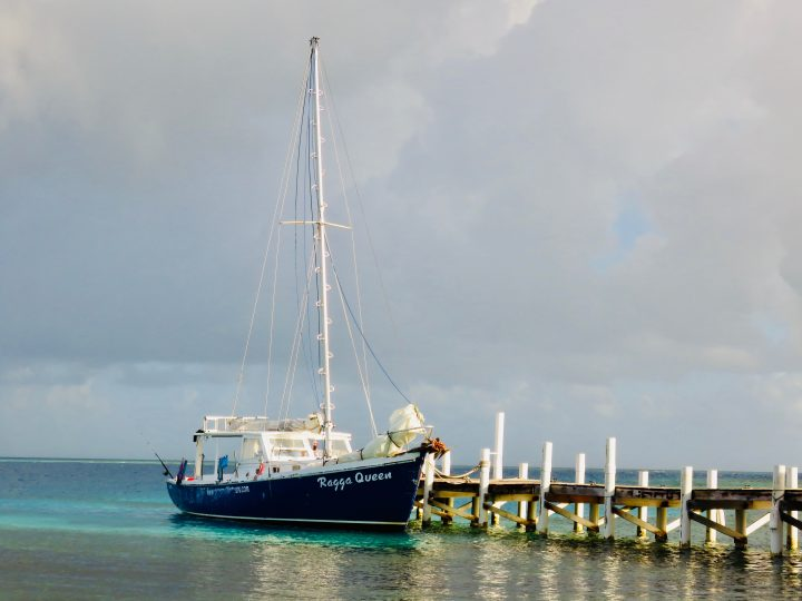 Ragga Queen sailing boat during Sailing tour Raggamuffin Belize, Belize Travel Blog