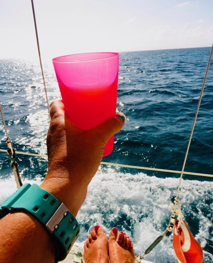 Drinking Rum Punch during Sailing tour Raggamuffin Belize, Belize Travel Blog