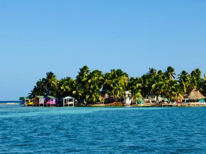 Visiting Tabacco Caye during Sailing tour Raggamuffin Belize, Belize Travel Blog