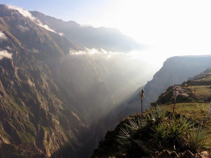 Sun through the Colca Canyon Arequipa Peru, Travel blog Peru