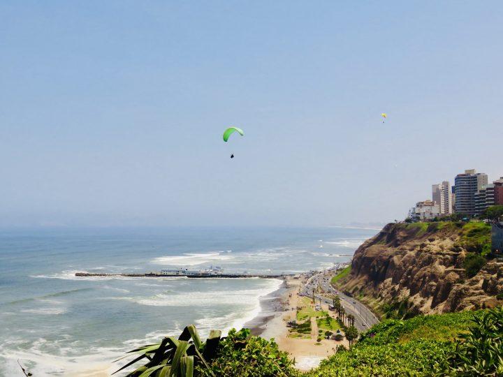 Paragliders Miraflores Lima Peru, Travel blog Peru