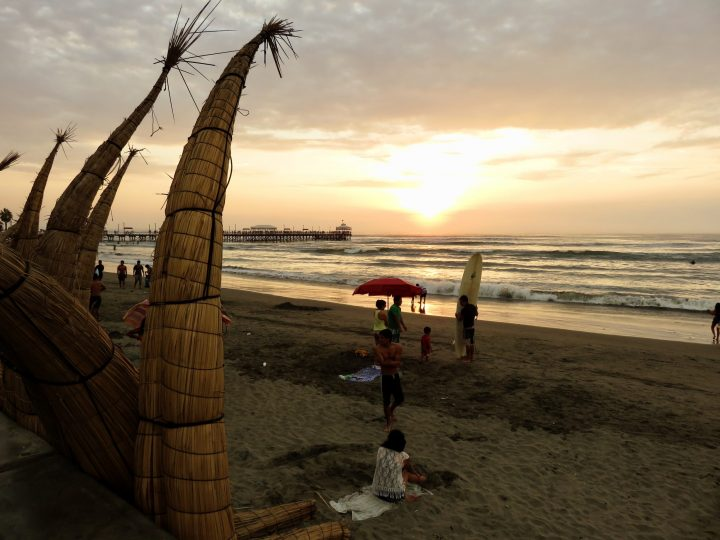 Sunset Beach Huanchaco Peru, travel blog Peru