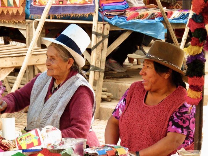 Traditional women in Peru, blog Route Peru Travel Blog