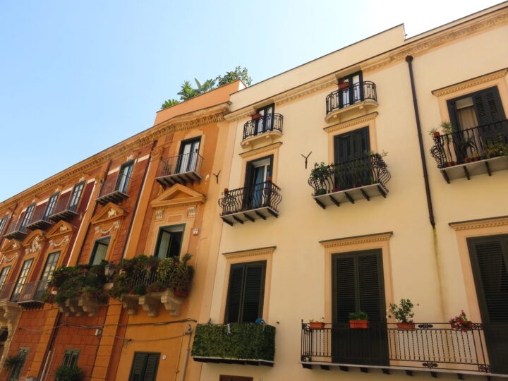 Random building Sicily Sicily Route for 2-3 weeks Sicily Italy Travel Blog